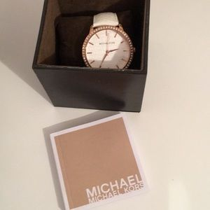 Michael Kors watch :MK2223